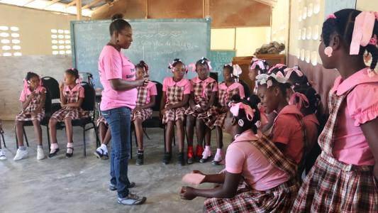 Nurse Ginette does an education session about HPV and cervical cancer